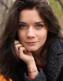 Melisa Asya Tarot Falı, Katina Aşk Falı yorumcusu