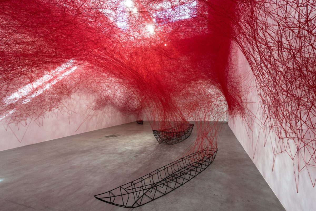 Chiharu Shiota, Uncertain Journey, Installation view at BlainSouthern Berlin, 2016