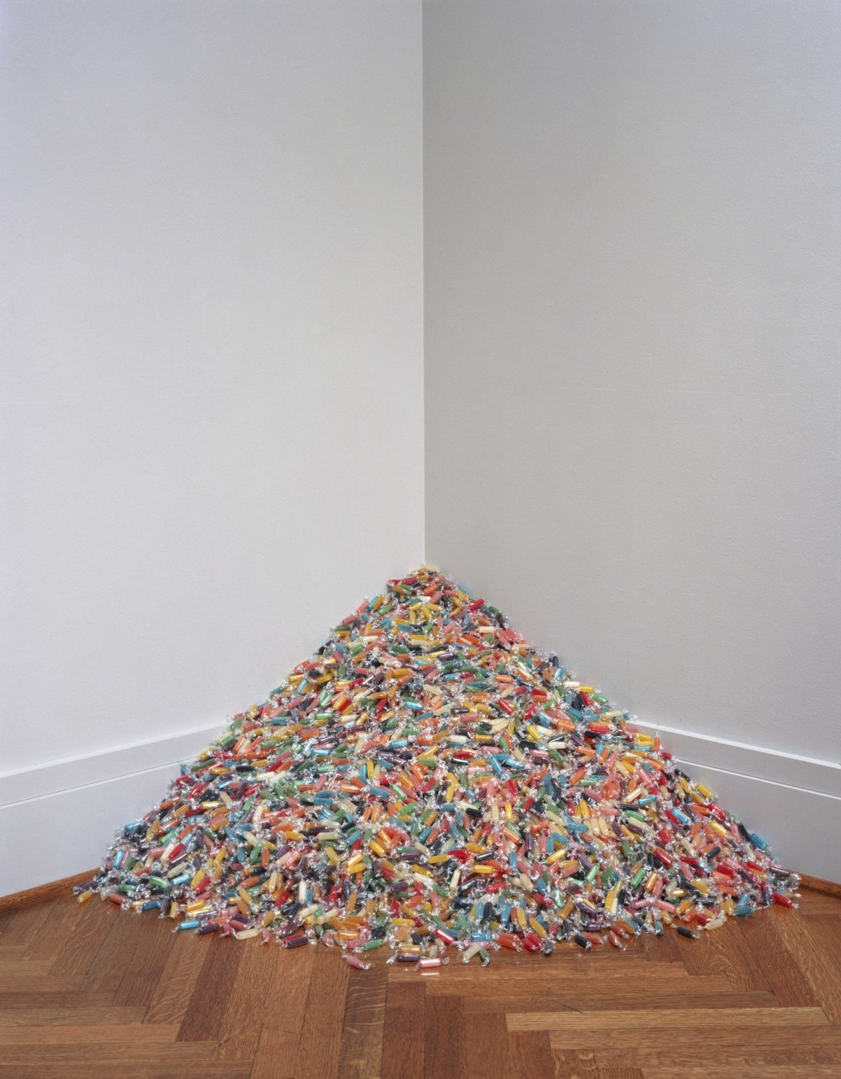 Damien Hirst And Felix Gonzalez Torres Candy 2013 Courtesy The Artists And Blain Southern 5