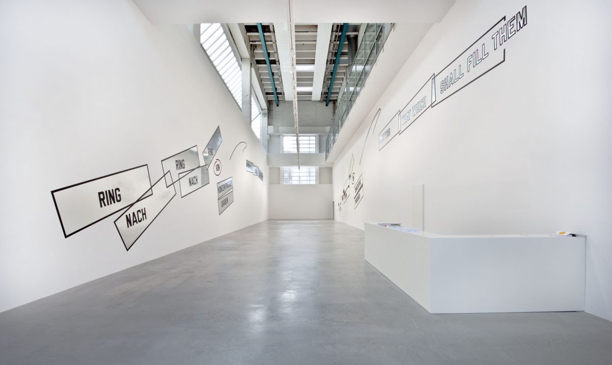 Lawrence Weiner Concentricity Per Se 2012 Installation View Courtesy The Artist And Blain Southern 1