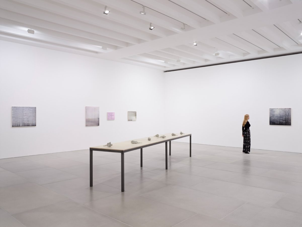 Rachel Howard Der Kuss Installation View 2018 Courtesy The Artist And Blain Southern Photo Peter Mallet 3
