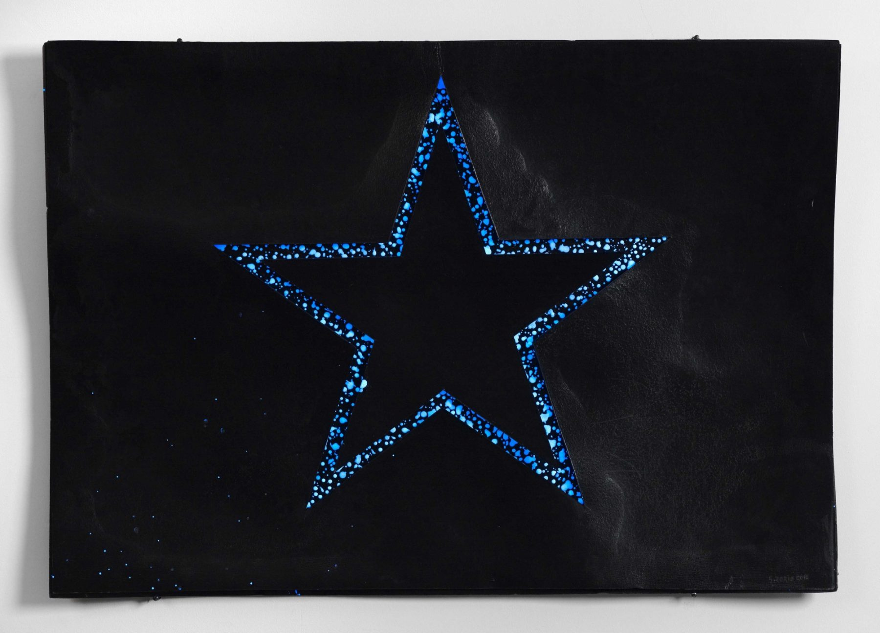 Stella sul nero (Star on Black)