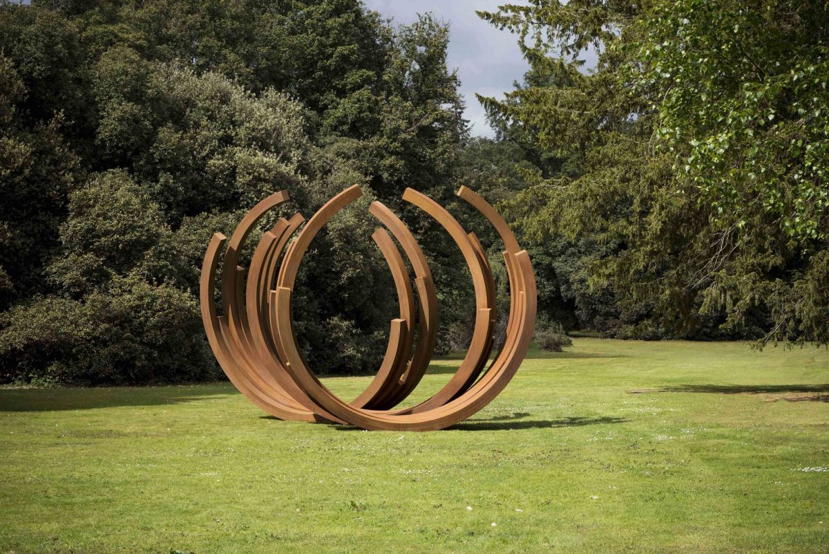 Bernar Venet At Cliveden Installation View 2017 Courtesy Archives Bernar Venet New York And Blain Southern Photo Jonty Wilde 5