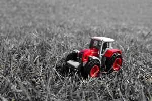10 Signs that You're Dating a Tractor Obsessive