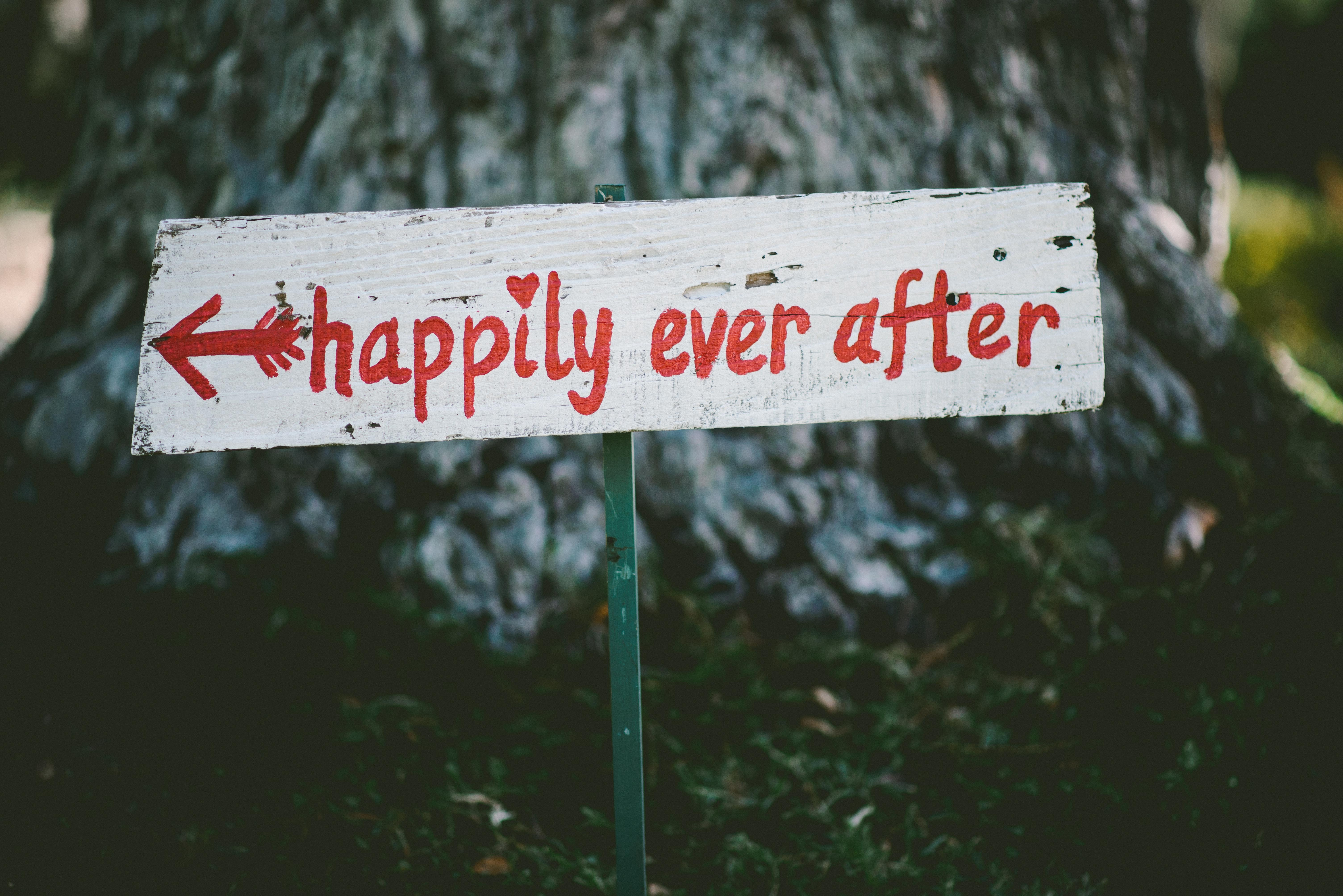 How To Navigate A Wedding When You're Single