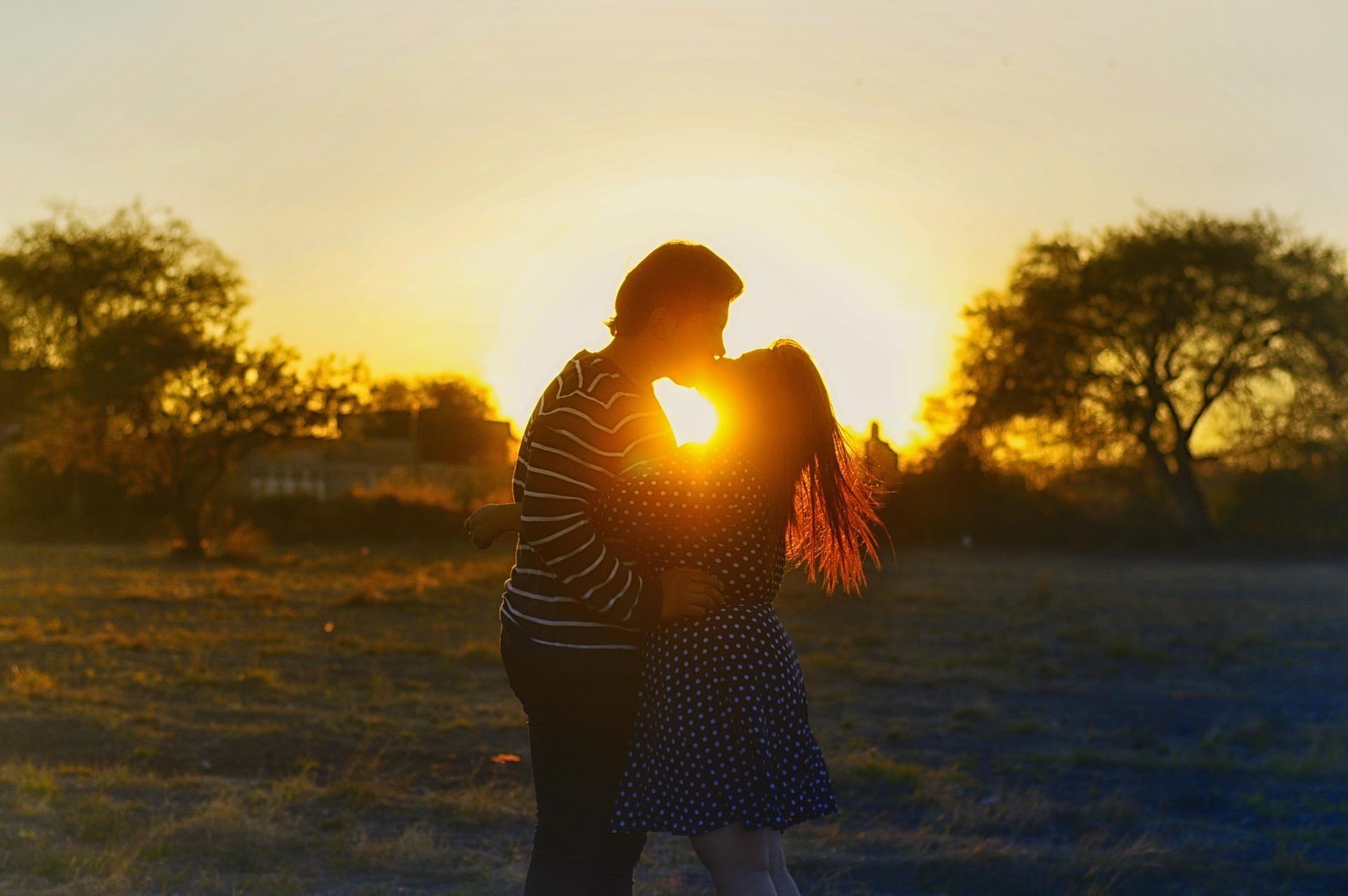 Seven Secrets Of Happy Online Daters