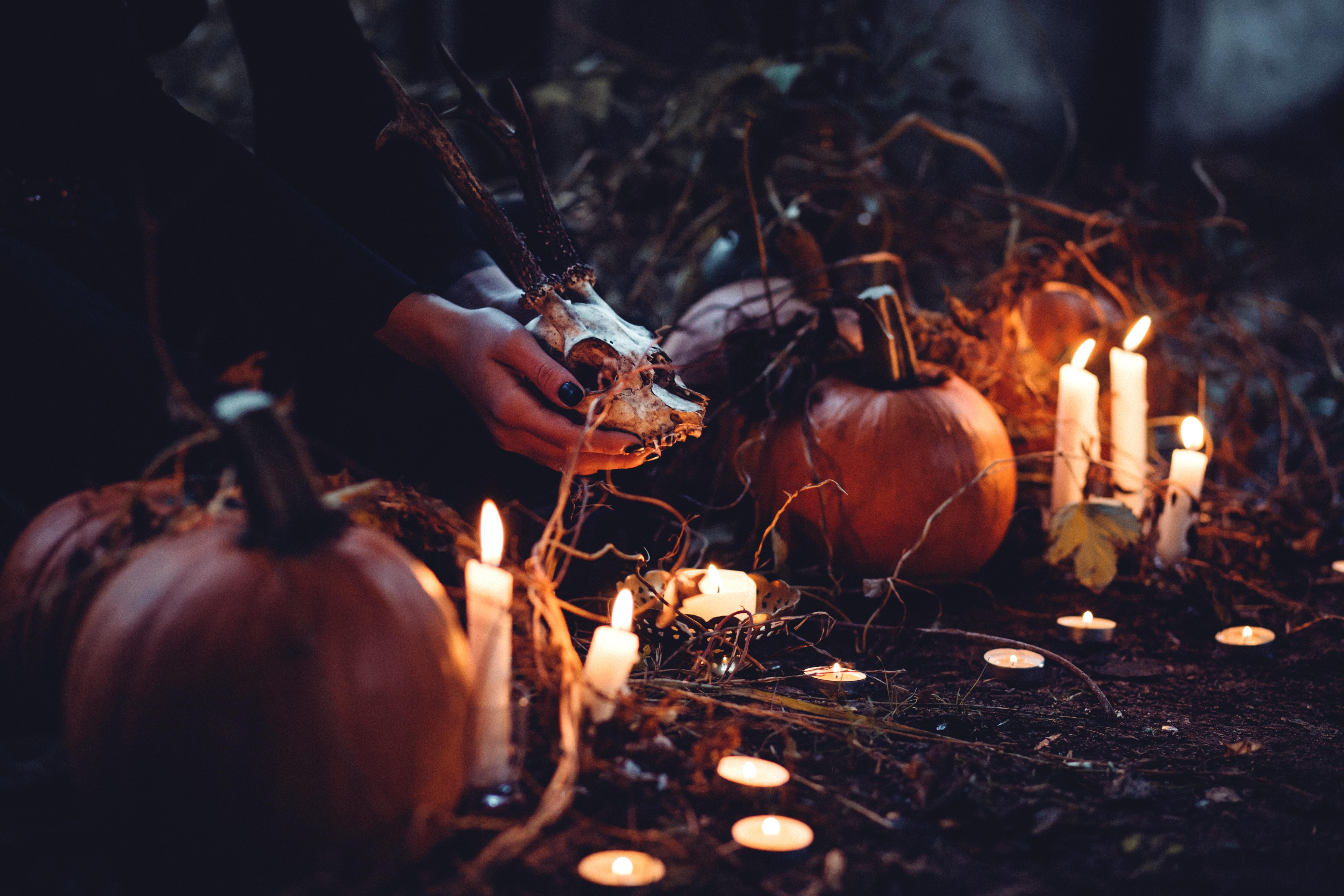 Seven Spooky Date Ideas For Halloween