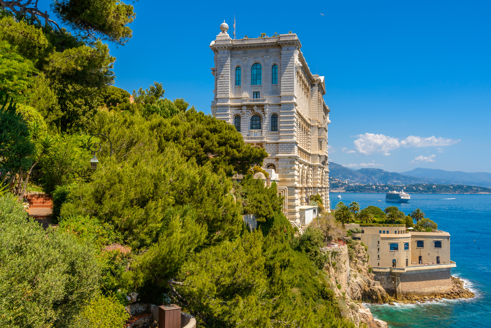 Help needed on two high-end properties in and around Monaco