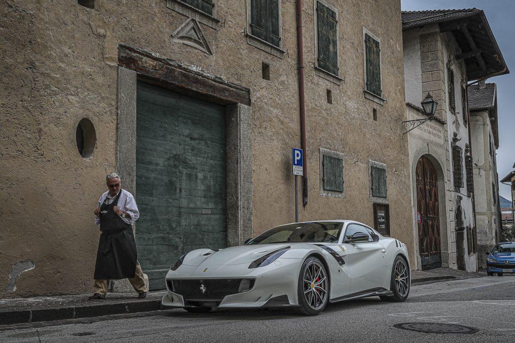 Ferrari aufgenommen von Robin Preston mit der Sony RX 100 VII
