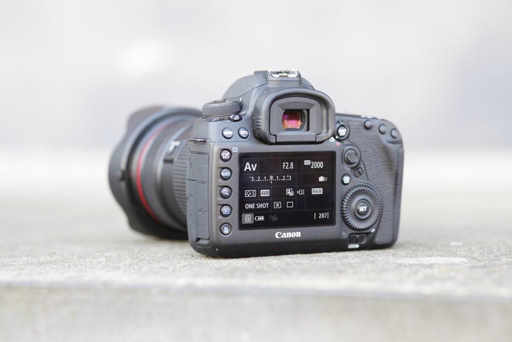 Canon 5D Mark IV Rückansicht