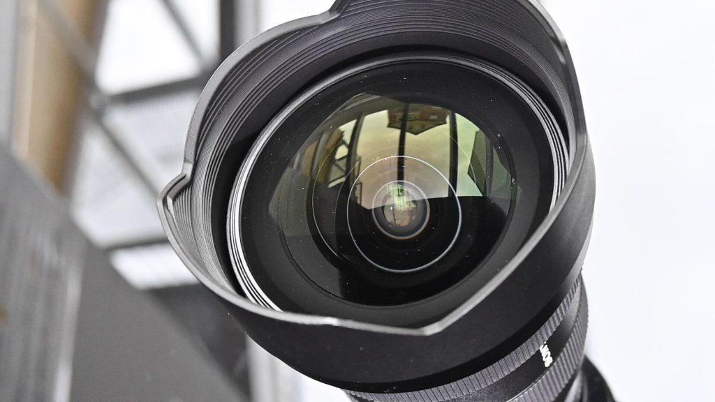 Sony 12-24 mm F2.8 G-Master Frontlinse