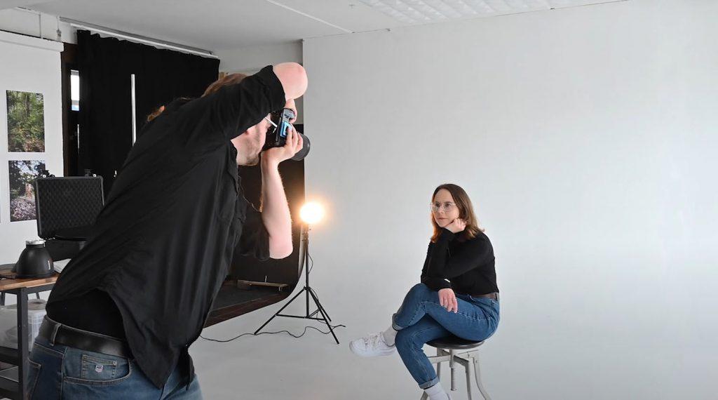 Eigenes Fotostudio zu Hause einrichten - Portraitshooting