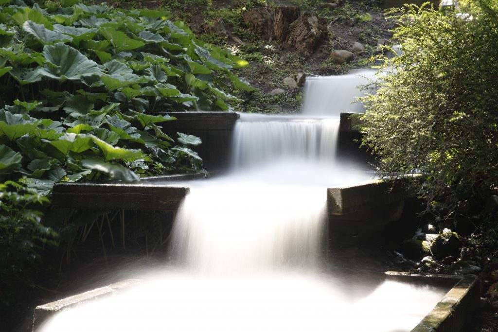 Wasserfall fotografiert mit ND400, Blende 22, Belichtungszeit 20 s