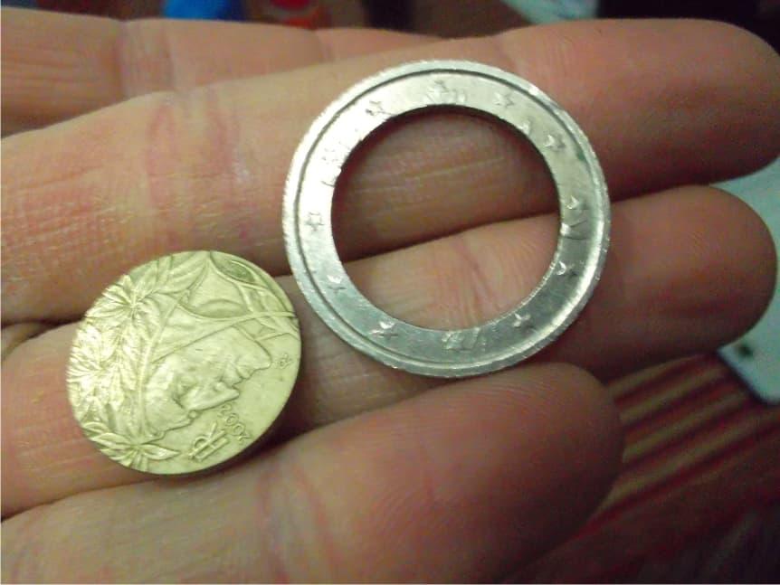 Euros con los núcleos girados y carteras no oficiales
