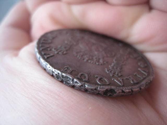 Monedas con oxidaciones limpiadas