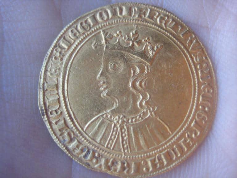 Las primeras veces en la numismática