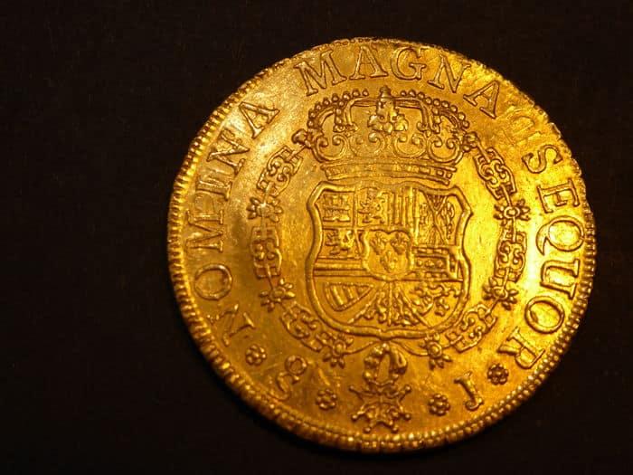 8 escudos Santiago 1756