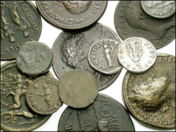 Reproducciones numismáticas en subastas públicas