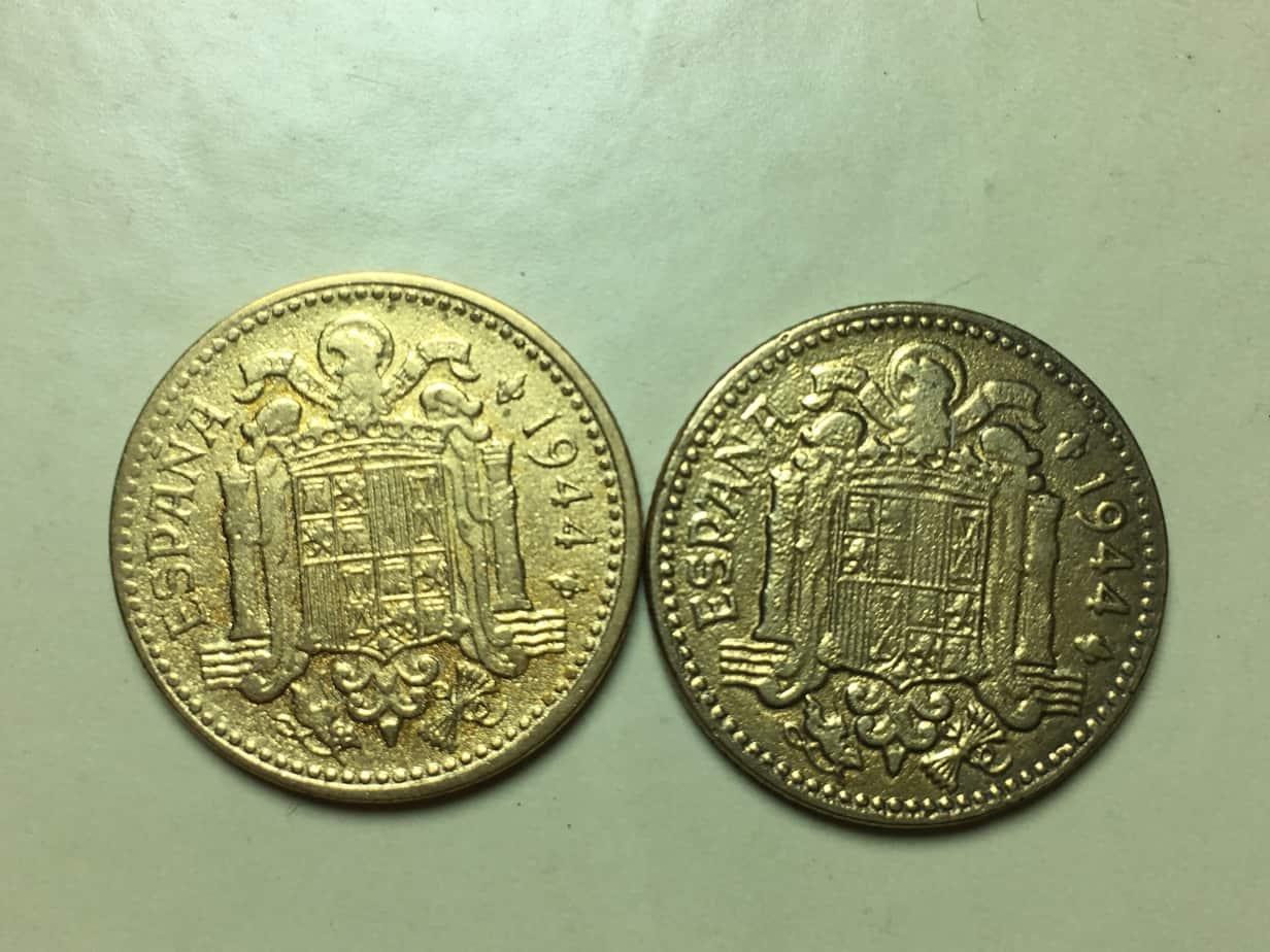 Monedas limpiadas con arena