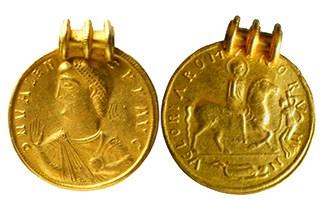medallon Valentiano