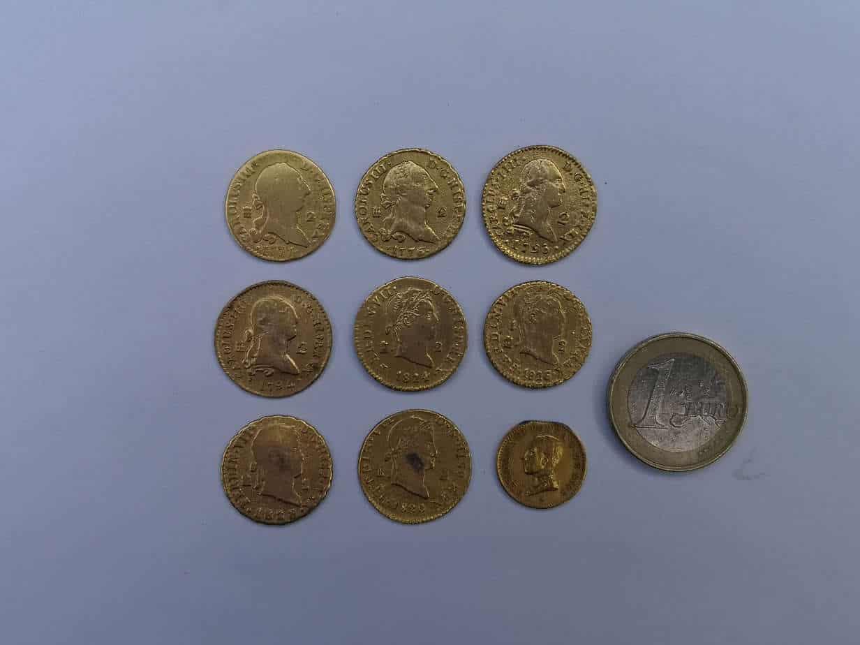 Monedas doradas