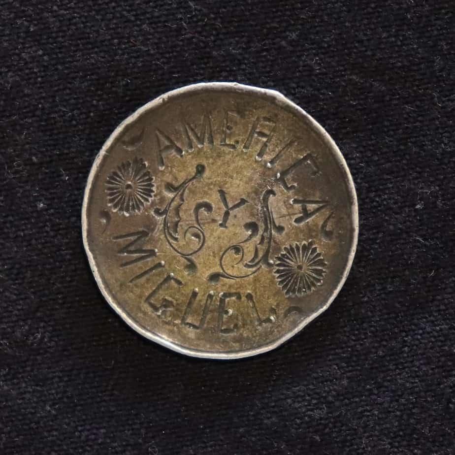 Coleccionar monedas agujereadas