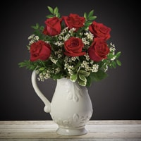 Bloom Magic - Flower Delivery Ireland - What's more special than receiving the classic gift of 6 luxurious roses? Long stemmed Grade A roses, expertly hand-tied and gift wrapped are sure to make your special someone feel amazing.