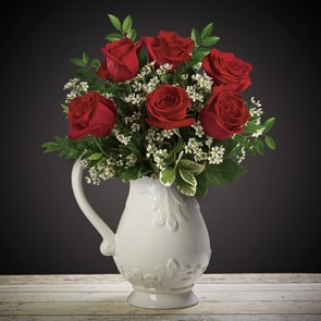 Half Dozen Roses Flowers Delivered - What's more special than receiving the classic gift of six luxurious roses? Long stemmed Grade A roses, expertly hand-tied and gift wrapped are sure to make your special someone feel amazing.