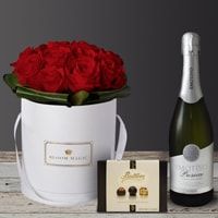 """The """"Mon Amour"""" is our signature hatbox of the 2018 Valentines collection. It's a modern twist on Valentine's flower feature greens and pinks to give it a distinctive and original flare.  We offer same day flower delivery to Dublin city area and next day flower delivery to anywhere in Ireland. Valentine's day is busy so order early to avoid missing out!"""