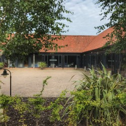 Hyntle Barn Clinic, Hintlesham - a beautiful light barn environment with parking right outside the door.