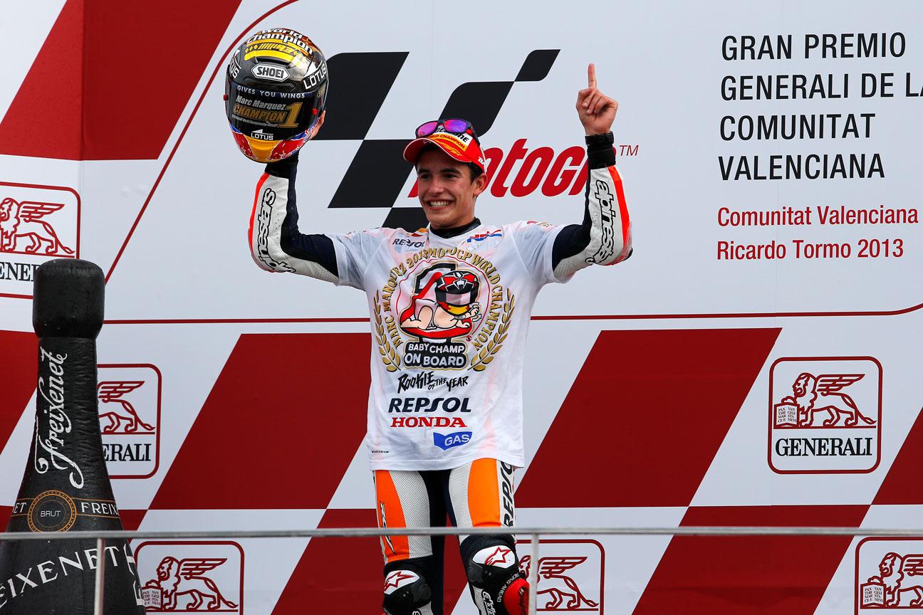 Marc Márquez celebrando su primer Mundial en MotoGP en 2013
