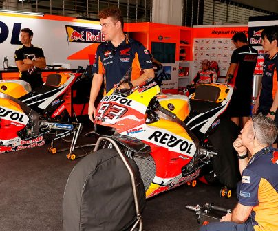 Box repsol Honda con las motos de Marc Márquez