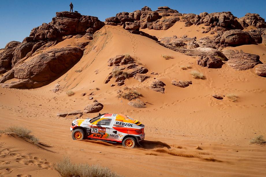 Isidre esteve durante la cuarta etapa del Dakar 2020