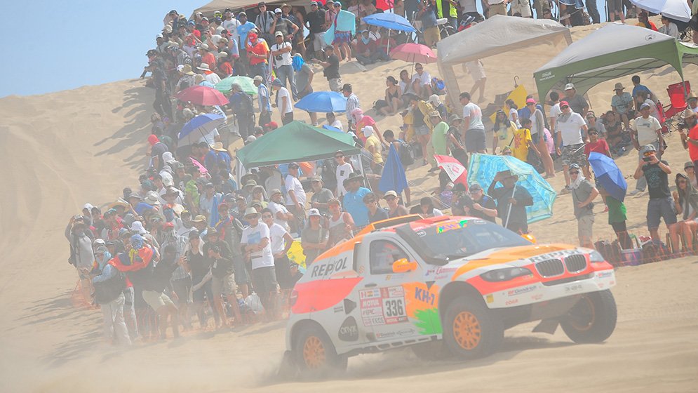 Isidre Esteve completes the Dakar's first extreme stage