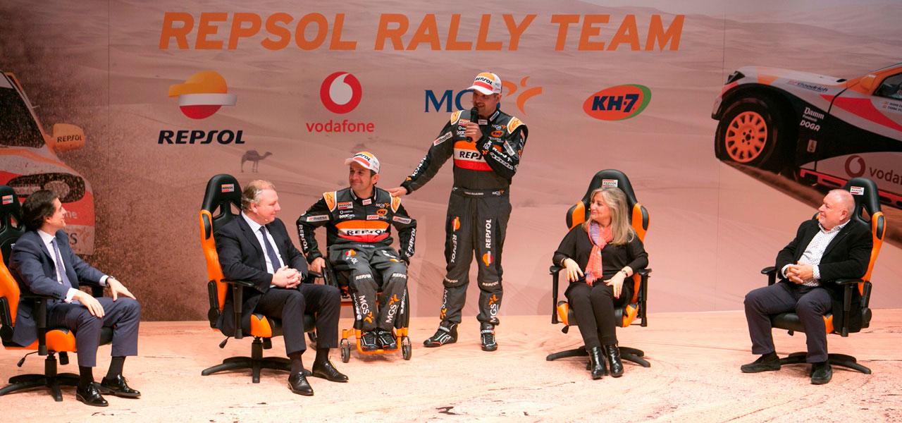 Isidre esteve en el escenario con ejecutivos Repsol