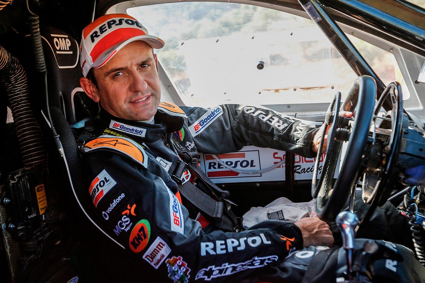 Isidre Esteve en su coche de Rally