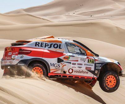 Isidre Esteve recorre las dunas con su prototipo adaptado