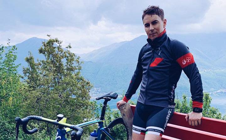 Jorge Lorenzo vestido para ir en bici
