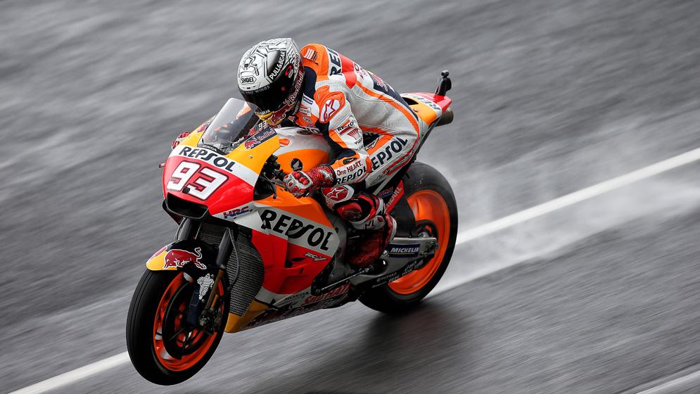 Vestirse para la lluvia en MotoGP