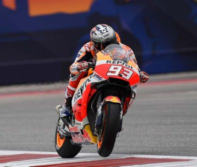 marc riding in cota