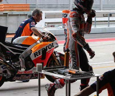 ¿Cómo se hacen los ajustes de suspensión en MotoGP?>