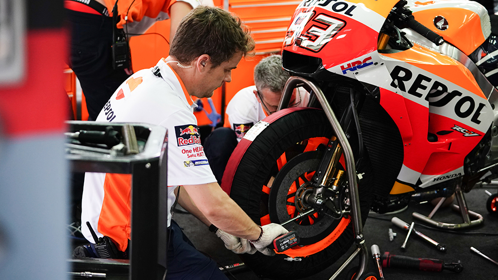 The Brakes The Most Powerful Feature Of A Motogp Bike Box Repsol