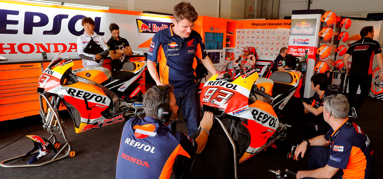 How is a MotoGP bike assembled?