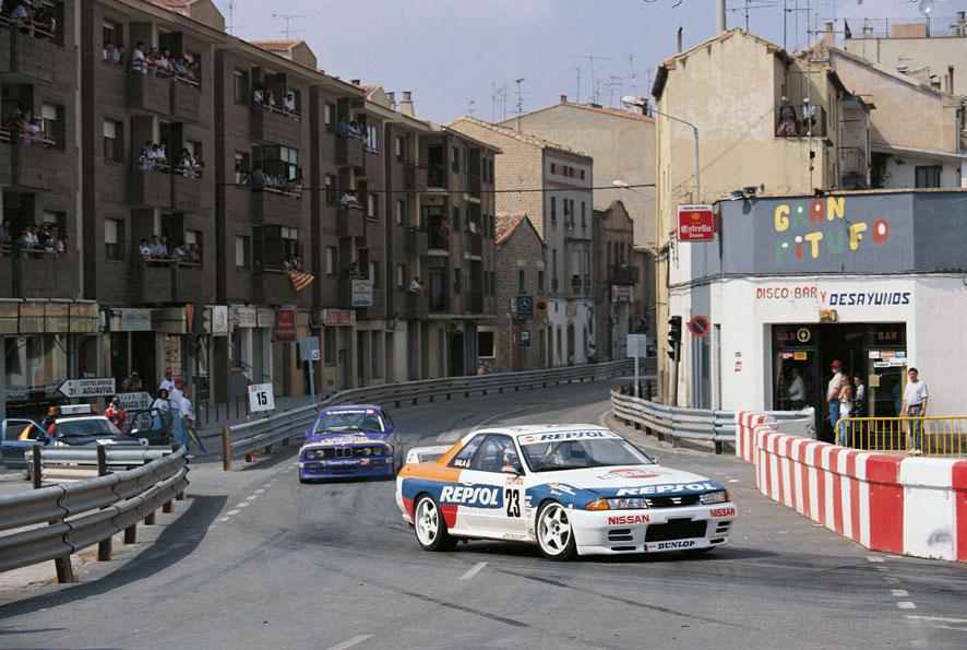 Skyline GT-R con colores repsol