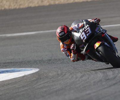 Marc Márquez tumbando la moto durante los últimos test del año en Jerez