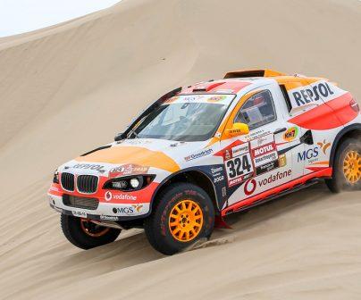 Isidre Esteve en el coche del Repsol Rally Team