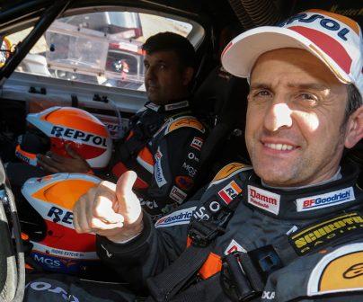 Isidre esteve y Txema Villalobos dentro del coche