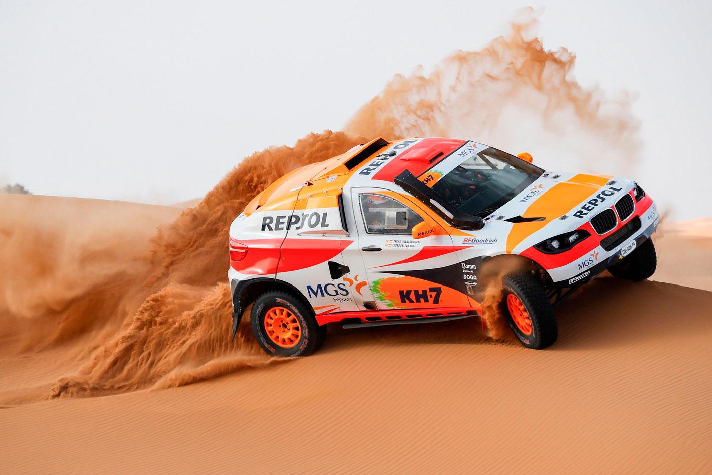 isidre esteve conduce el coche del Repsol Rally Team