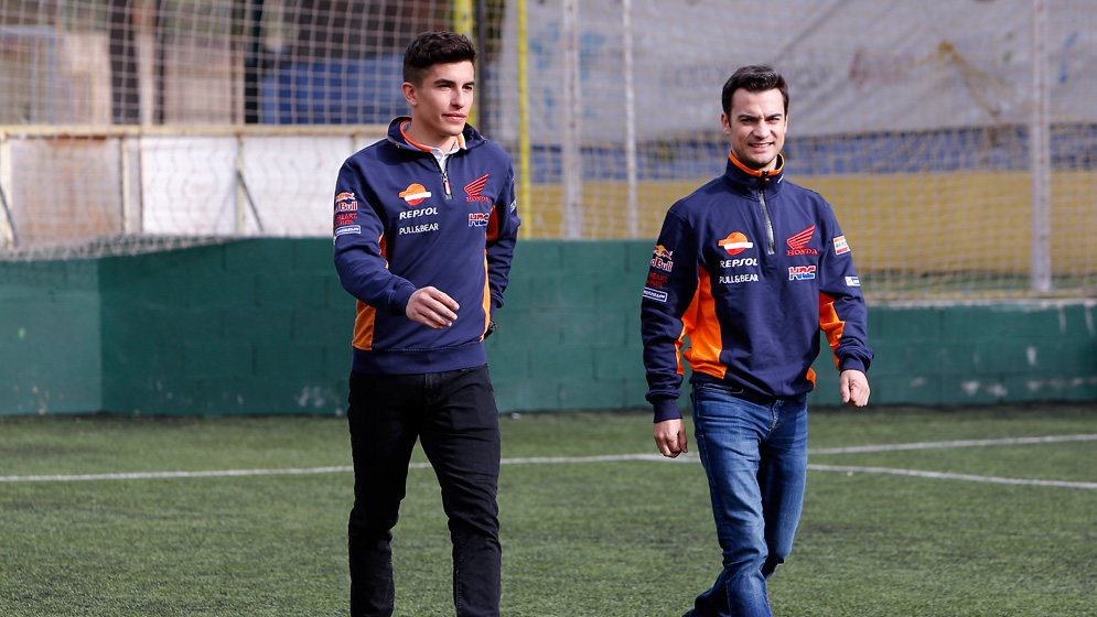 Márquez and Pedrosa try their hand at football as player-coaches