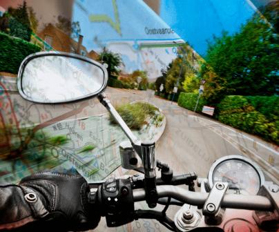 vista subjetiva de motorista con plano de carretera